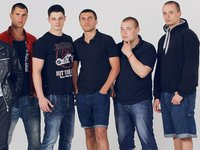 Рэп группа из Одессы(в которую на данный момент входит 5 человек: Реал,DeJust,Dream,Rossco,Hoper)    Обратная связь:  VK:http://vk.com/ddldrecords       http://vk.com/ddldrec