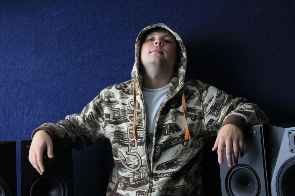 http://www.hip-hop.ru/forum/img/2010/10/08/60684caf2f6a5f1e1.jpg
