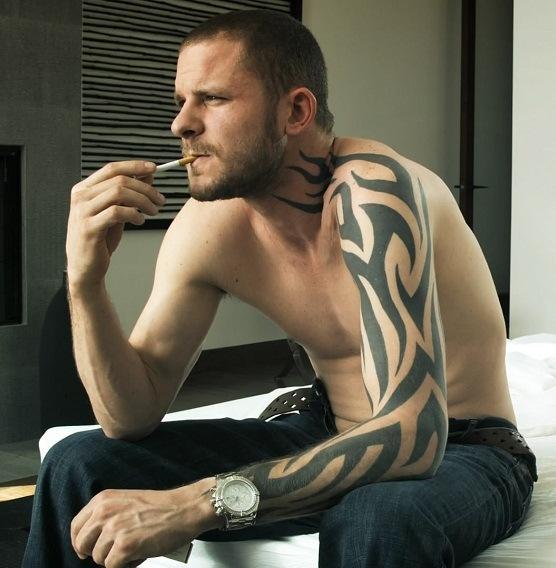 Порно гей с татуировкой