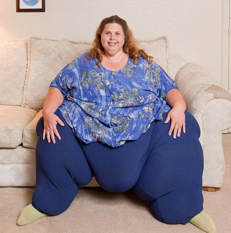 Фото толстой женщиной, голая телка с набухшими сосками фото
